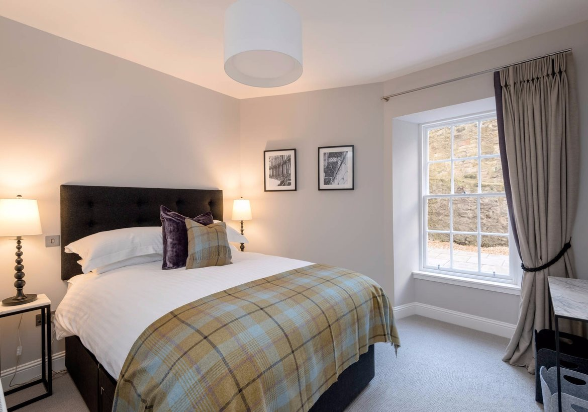 Luxury stafford street apartment west end edinburgh 2 for 2 master bedroom apartments