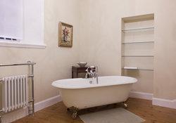 En-Suite Bathroom - Master Bedroom