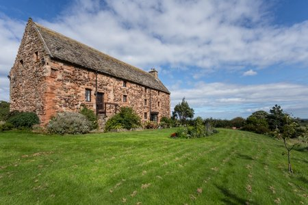 Tithe Barn - Stunning 4 bedroom historic Barn in Whitekirk