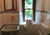 Leslie_Place,_Stockbridge_-_Bathroom