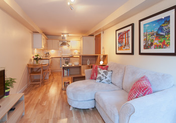 Drummond Street Apartment-2 - Cosy family living room with sofa bed in Edinburgh holiday let