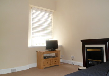 SAM_0812 - Bright living room, fee WIFI and FreeView TV, DVD