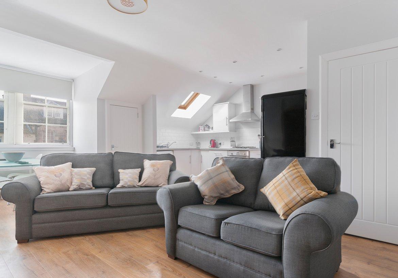 Edinburgh-Flats-self-catering-holiday-apartment-Royal-Mile ...