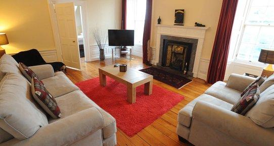 Frederick Street Duplex - lounge - 4 Bedroom Holiday apartment in Edinburgh city centre (© innerCityLets)