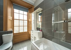 Buckingham Terrace Apartment Bathroom