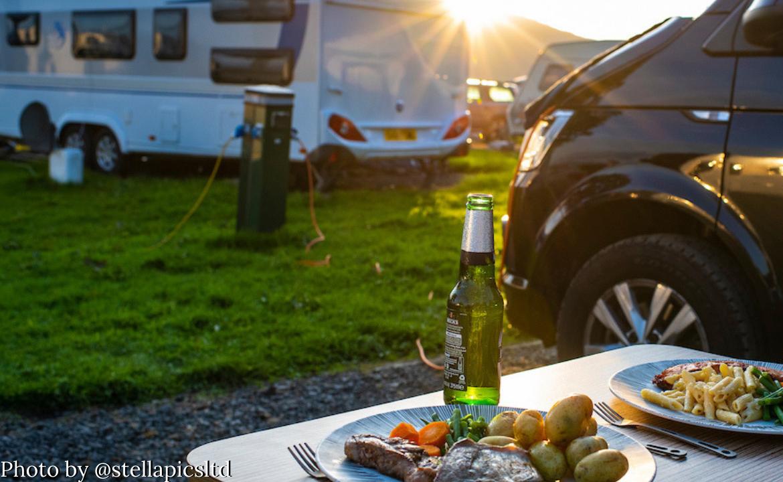 camping with Bonnie (© stellapicsltd)
