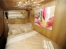 Canal Boat in Edinburgh City Centre - Luxury double cabin on board The Four Sisters Boatel.