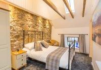 hayloft-scotland-edinburgh-balerno-village-master-bedroom-1