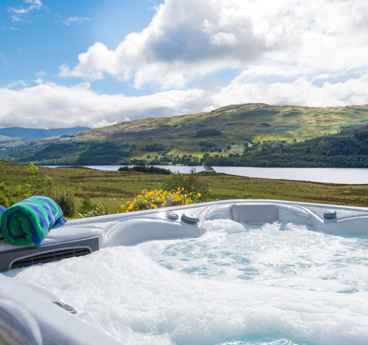 Hot Tub Holiday Home Groups and Families