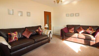 img4 lounge 2