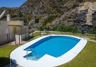R021-sale pics Pool Mountain view