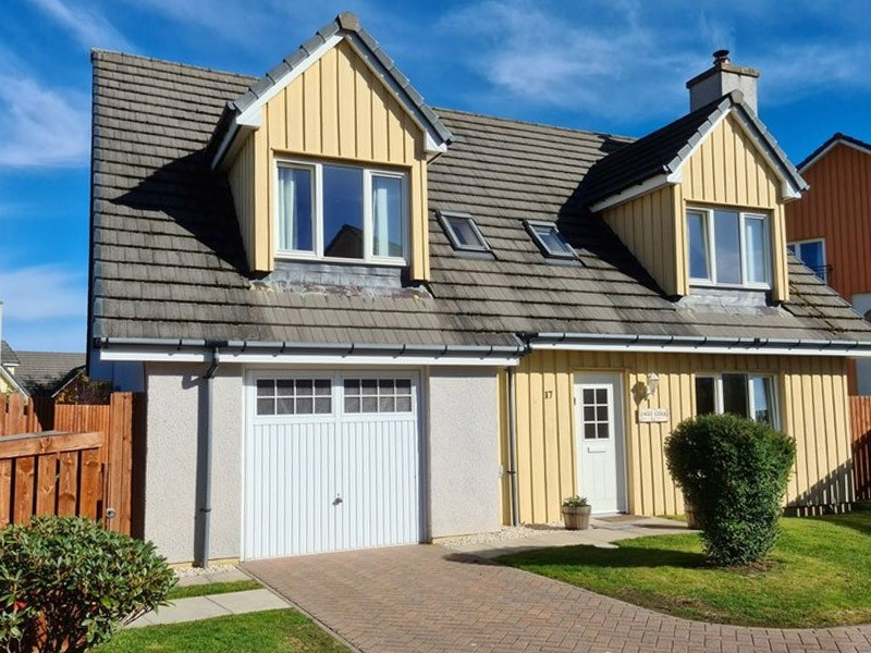 Aviemore self catering accommodation with hot tub