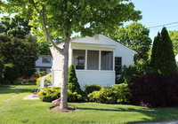 Waterfront Vacation Rental Cottage 6-002