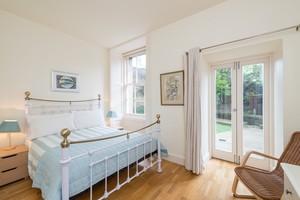 Photo of Stunning Drumsheugh Gardens Apartment, West End, Edinburgh