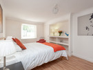 Marchfield Park 9 - Large master bedroom with kingsize bed in Edinburgh holiday let