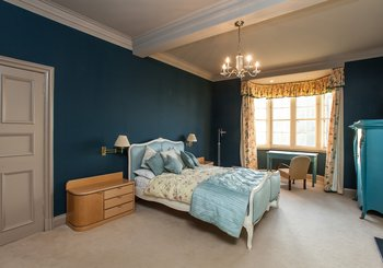 11169_RamsayGarden_24 - Luxurious, spacious master bedroom in Edinburgh holiday let