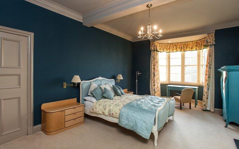 11169_RamsayGarden_24 - Luxurious, spacious master bedroom in Edinburgh holiday let