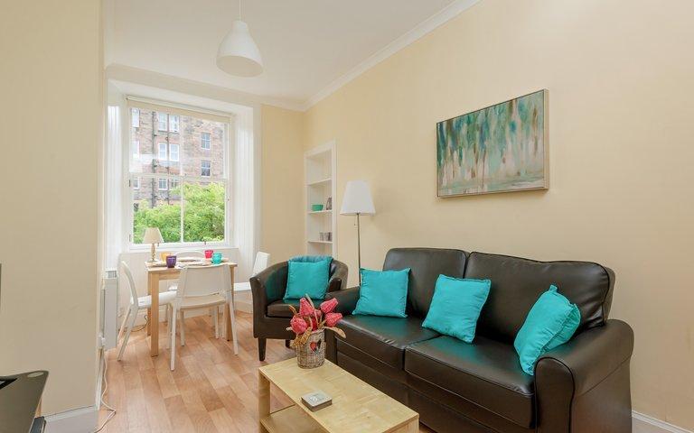 WatsonCres_edit_final-3 - Bright, modern lounge in Edinburgh holiday let