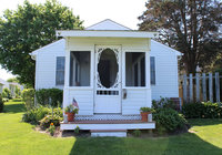 Waterfront Vacation Rental Cottage 1-001