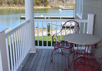 Waterfront Vacation Rental Suite 1-003