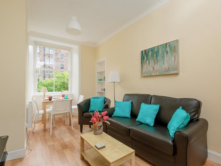 WatsonCres_edit_final-3 - Bright, modern lounge in Edinburgh holiday let