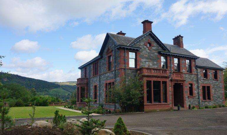 Highland Hideaway - Luxury Highland retreat perfect for families, luxury celebrations and corporate events.