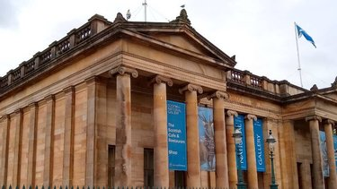 Edinburgh gallery with neoclassical architecture