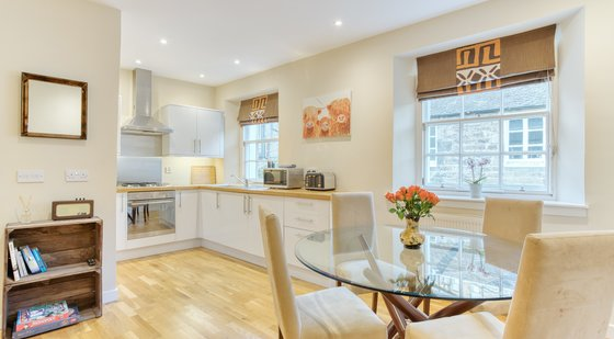 Gloucester Lane 1 - Modern and bright open plan dining / kitchen in New Town Edinburgh apartment.
