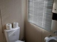 caravan_mainbathroom