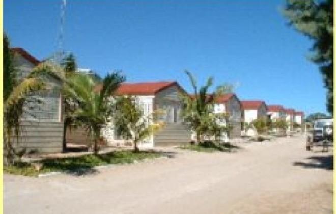 peoples park caravan village coral bay coral coast. Black Bedroom Furniture Sets. Home Design Ideas