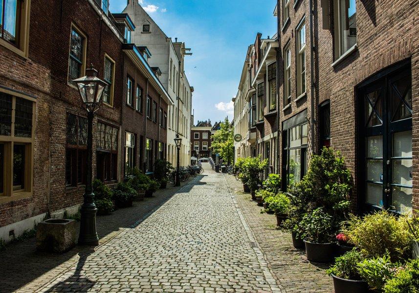street-cobble-travel-hip-sun-summer-stone