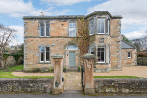 Large stone house in Dalkeith near Edinburgh