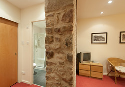 Edmonstone Close Apartment-9