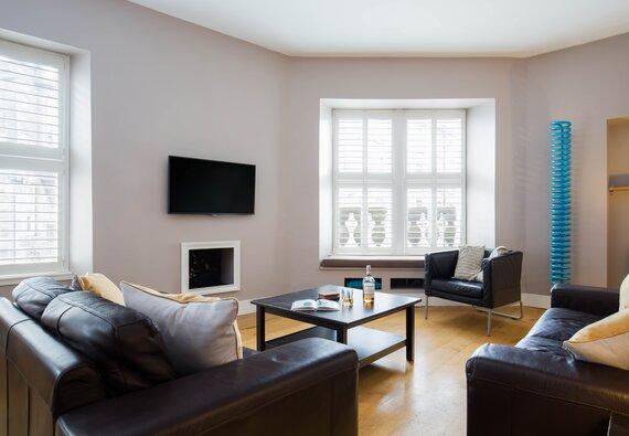 Edinburgh Holiday Apartments | Cranston Street - 3 bedroom Edinburgh Holiday rental apartment.