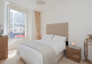 Shandwick Place Apartment 2-4
