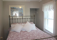 Waterfront Vacation Rental Cottage 6-010