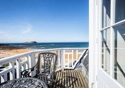 At the Beach, seaside 2 bedroom apartment , North Berwick