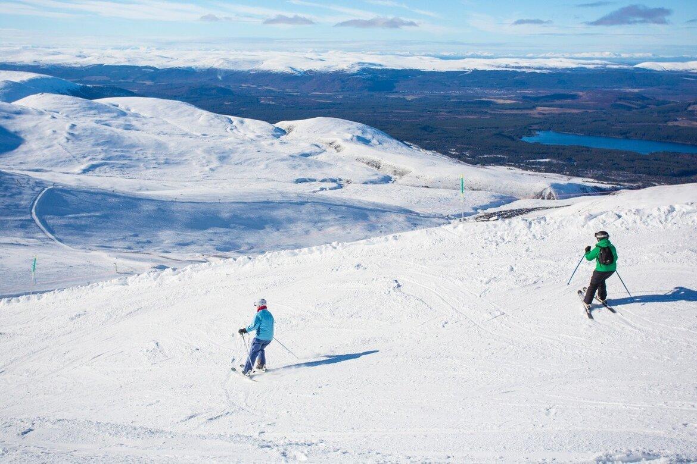 Skiing in Scotland (© VisitScotland  Kenny Lam)