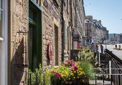 Neighbourhood - Local shops and cafes