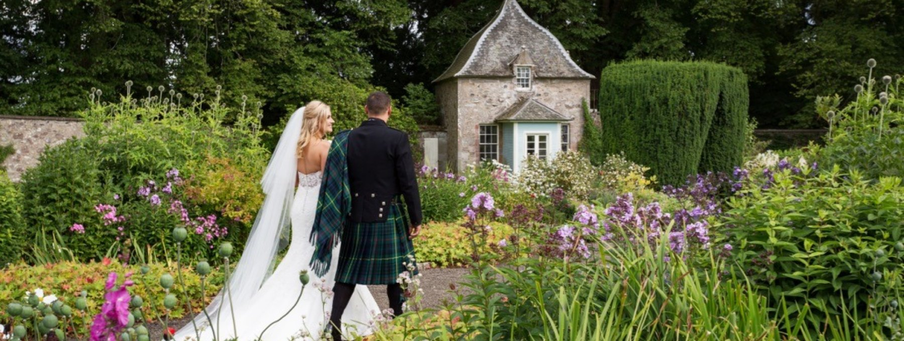 The Summer House in the Walled Garden - Murthly Castle's walled garden on Murthly Estate is a beautiful setting for your wedding reception. (© Nigel Lumsden)