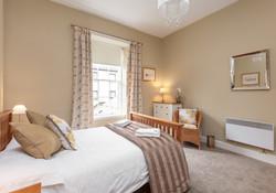 Blair St 1 Edinburgh Self Catering Ltd bedroom 1