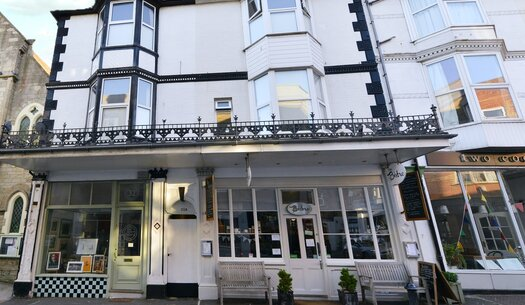 Front Elevation - Ventnor - Wight Holiday Lettings - Front Elevation