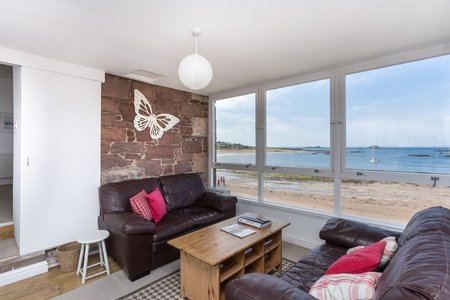 Stunning 4 bedroom seaside  vacation rental - Located right on the seafront in North Berwick