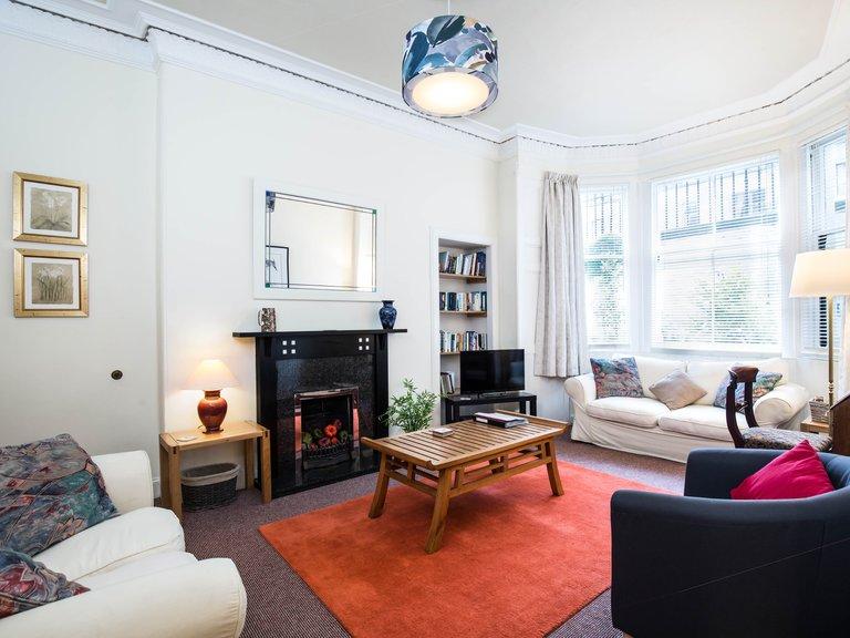 Montgomery Street Garden Flat - 2 Bedroom holiday apartment in Edinburgh city centre (© innerCityLets)