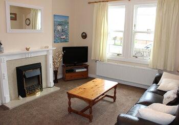 Glenhaven, pet friendly 2 bedroom holiday home North Berwick - Welcome to Glenhaven! (© Coast Properties)