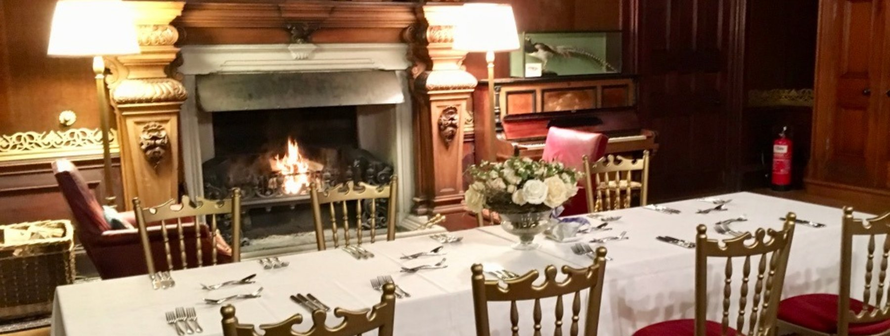 Shooting Lunch in Murthly Castle - Why not cap off your pheasant shoot or partridge shoot with a meal in the Victorian dining room at Murthly Castle? (© Murthly Estate)