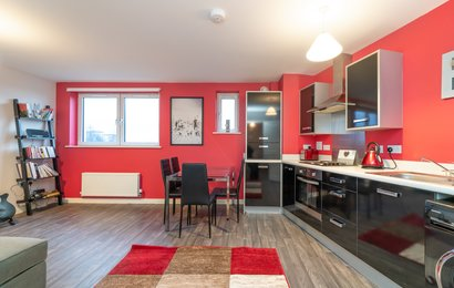 5-13 Lochend Park View-1 - Contemporary open plan living room / kitchen in Edinburgh holiday apartment