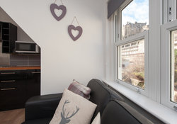 Castle Wynd Apartment-11