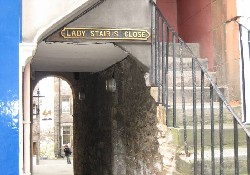 Ladystair Close entrance on the Royal Mile
