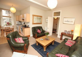 Picture of Niddry Street South 1, Old Town, 130 metres from Royal Mile, Lothian, Scotland - Lounge/kitchen area